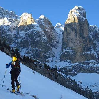 Ski Mountaineering to the Sass dai Ciamorces and Val Culea
