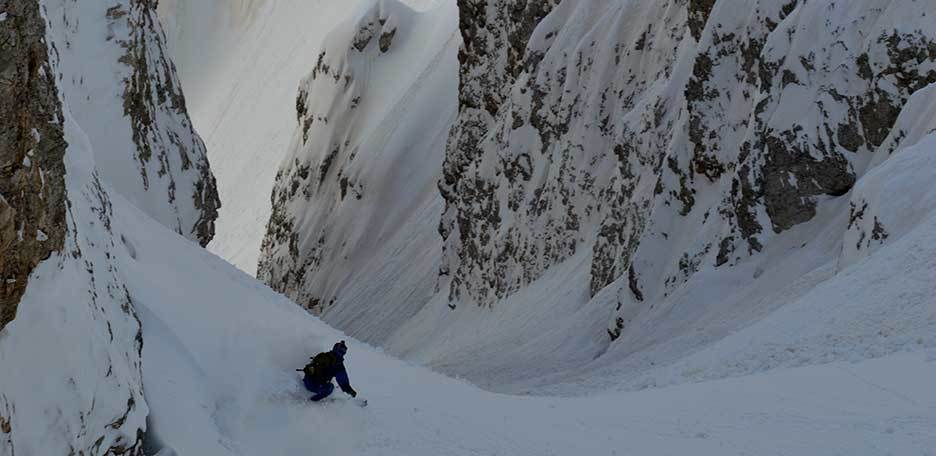 Off-piste Skiing to the Pale di San Martino Couloirs