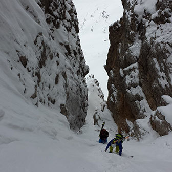 Ski Mountaineering to the Canalino della Liberazione at North Fanis