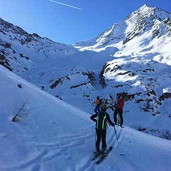 Ski Mountaineering to Passo Merbe in Valle Aurina & Tures