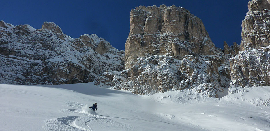 Off-piste Skiing in Val di Mezdì at the Sella Group