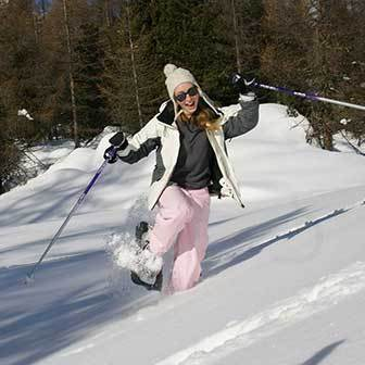 Snowshoeing to the Muraglia di Giau