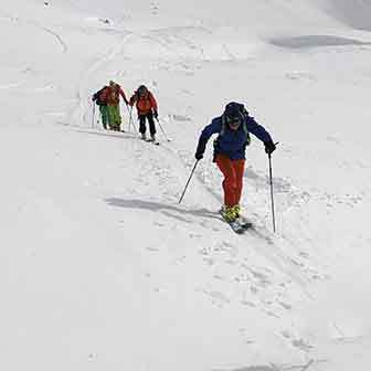 Ski Mountaineering to Monte Rotella from Rocca Pia