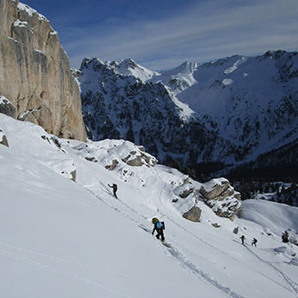Ski Mountaineering to the North Couloir of Punta Vallaccia in Val di Fassa