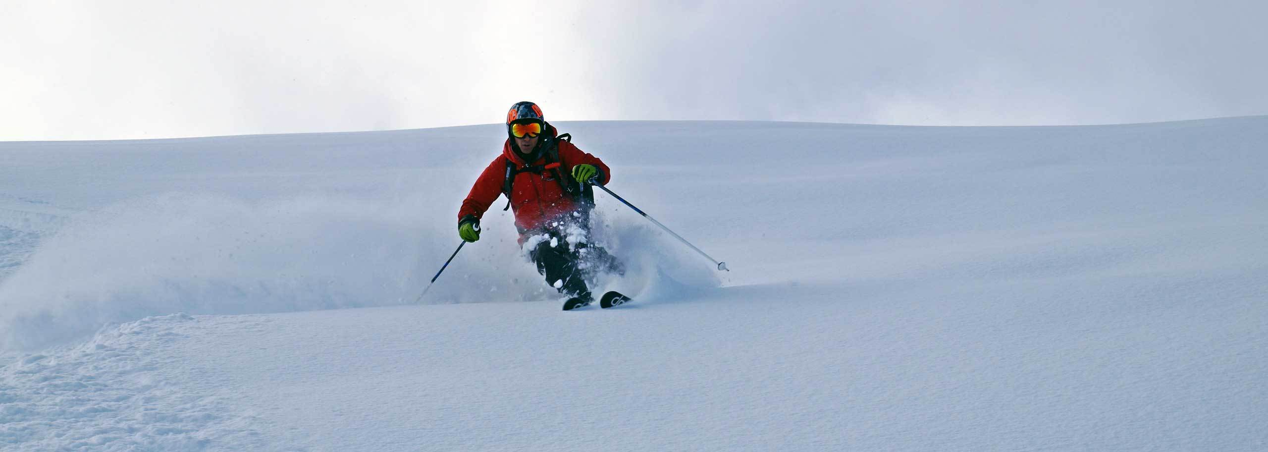 Off-piste Skiing with a Mountain Guide in Courmayeur Mont Blanc