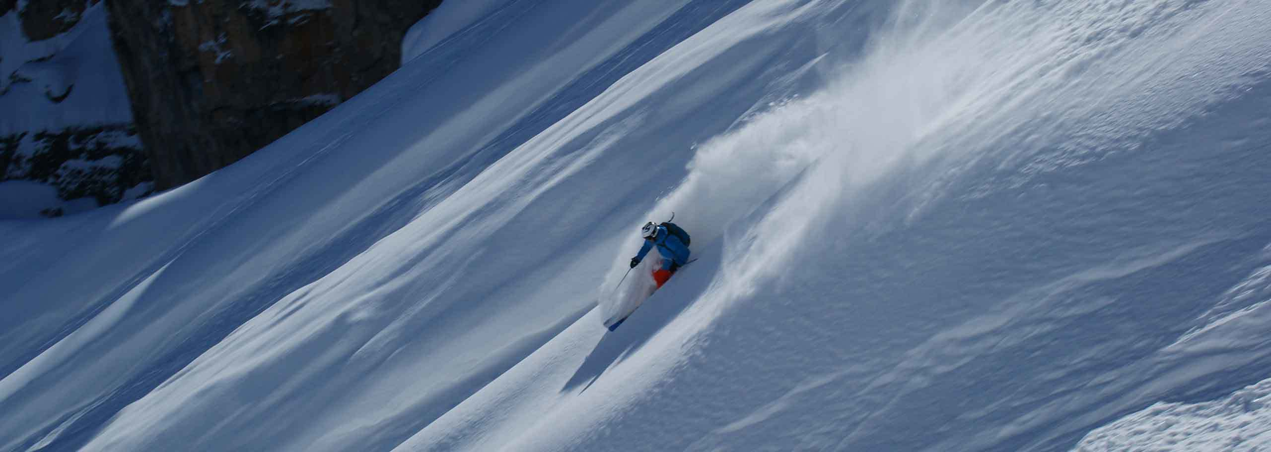 Off-piste skiing with a mountain guide in Solda