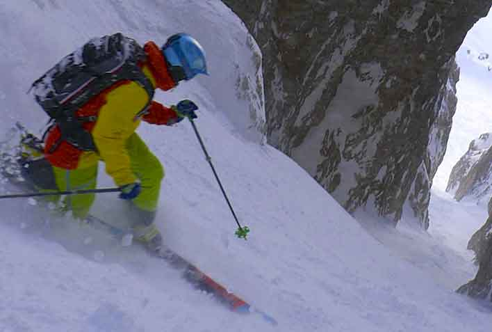 Off-piste Skiing with a Mountain Guide in Val Gardena