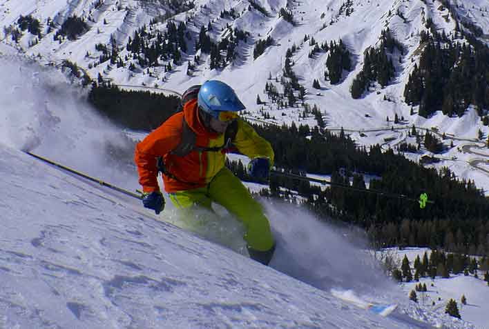 Off-piste Skiing with a Mountain Guide in Madonna di Campiglio