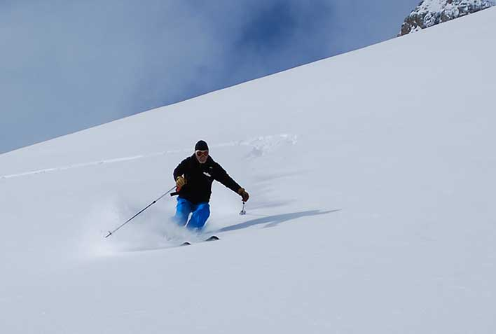 Off-piste Skiing with a Mountain Guide in Tonale Pass